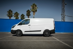 DEZENT Van dark Ford Transit Custom_01