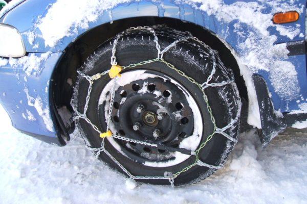 snehove-retezy-snih-zima
